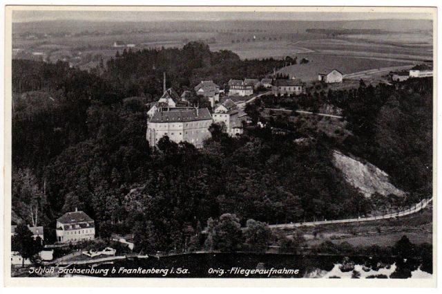Postkarte vom Schloss mit Steinbruch