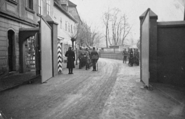 KZ Sachsenburg, Tor 1934
